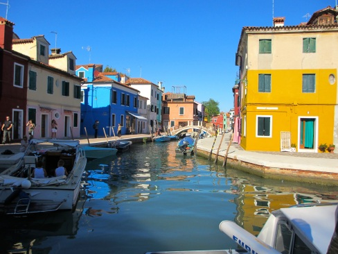 Burano is enchanting...